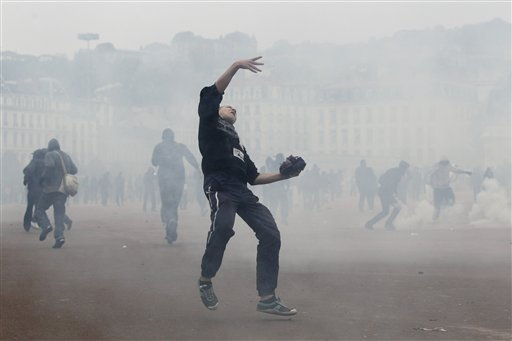 Lyon / Paris riots