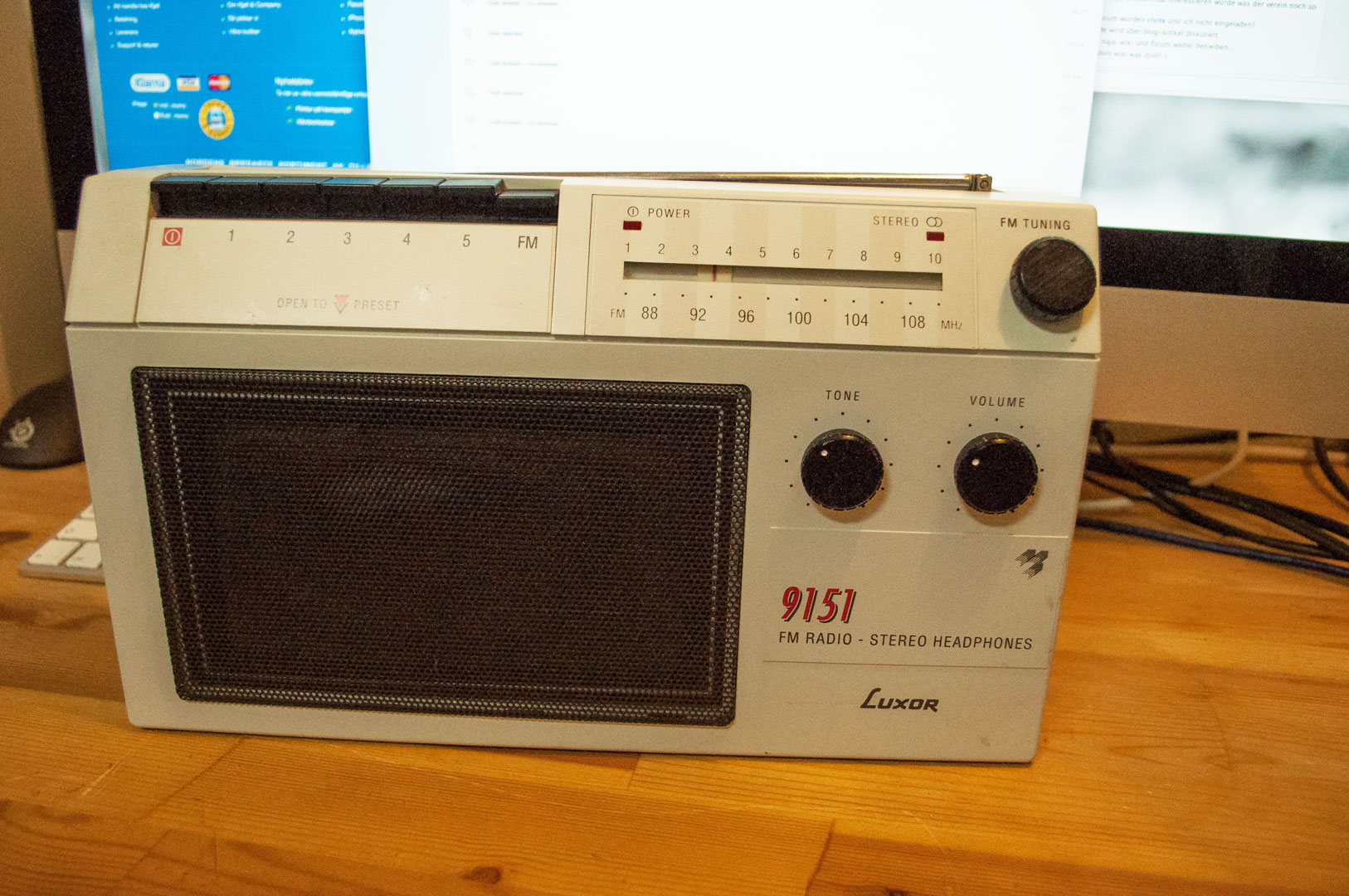 Old radio, working as a AirPlay laudspeaker